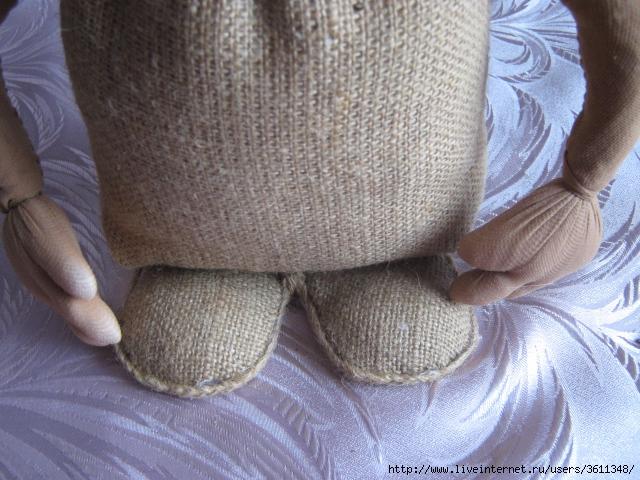 Как сшить домовенка из мешковины своими руками